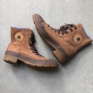 Converse High Top / Women's 7.5 Boots